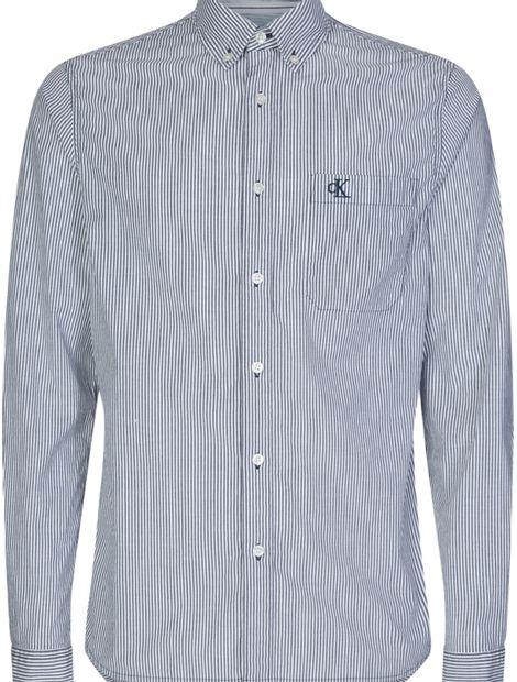Camisa-a-rayas-con-botones